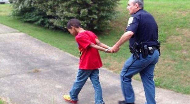 Joven de 15 años arrestado por hackear cuentas de PayPal